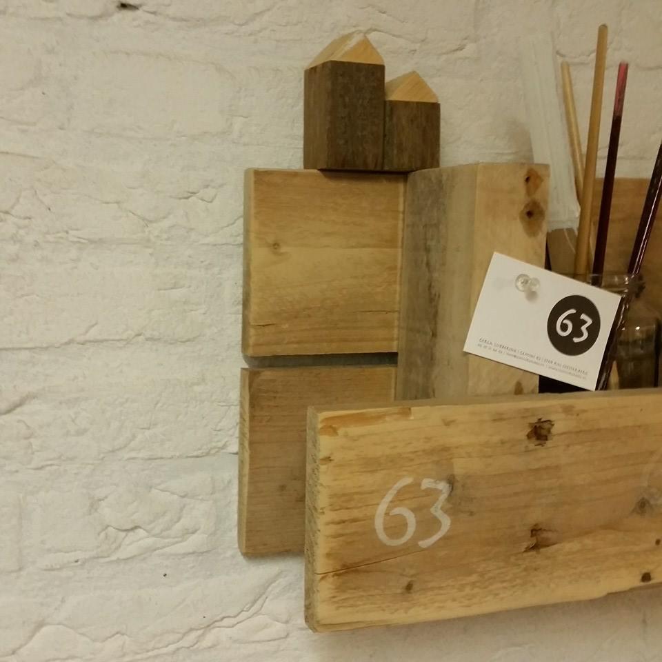 logo stempel op hout